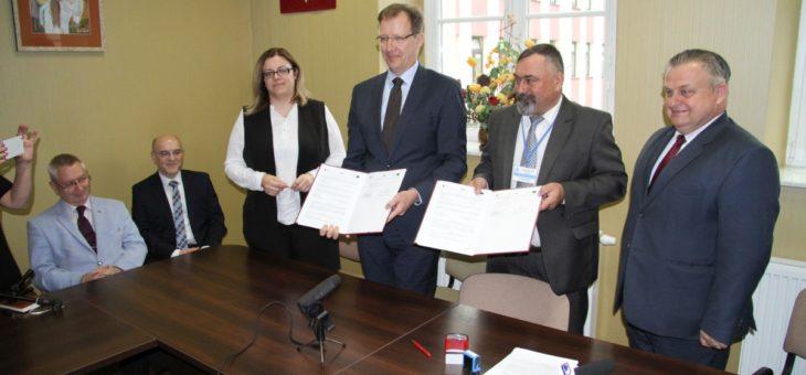 Podpisanie umowy na budowę  Zakładu Radioterapii